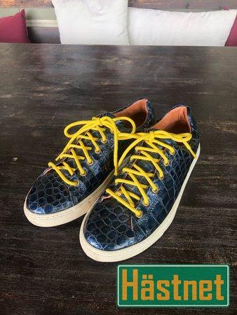 Sneakers från Amazona Sueca Säljes i Stockholm
